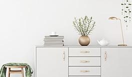 Białe komody – modne sposoby na przechowywanie
